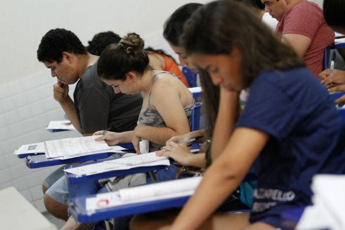 Podem se inscrever alunos de escolas públicas a partir do segundo ano do ensino médio ou que já tenham concluído. Foto: Rafael Martins/DP.