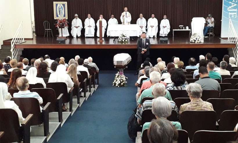 Missa de corpo presente realizada no Bairro Planalto, Região Norte de BH. Foto: Jair Amaral/EM/DA Press