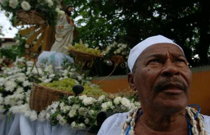 O Tata Raminho de Oxóssi conduz a cerimônia há mais de 30 anos. Cecilia de Sa Pereira/DP/D.A Pre