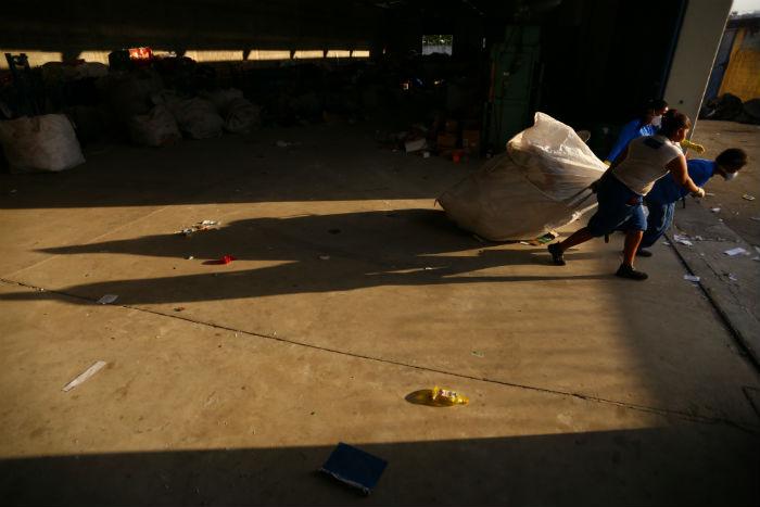 Catadores de Paulista recebem capacitação. Foto: Peu Ricardo/DP