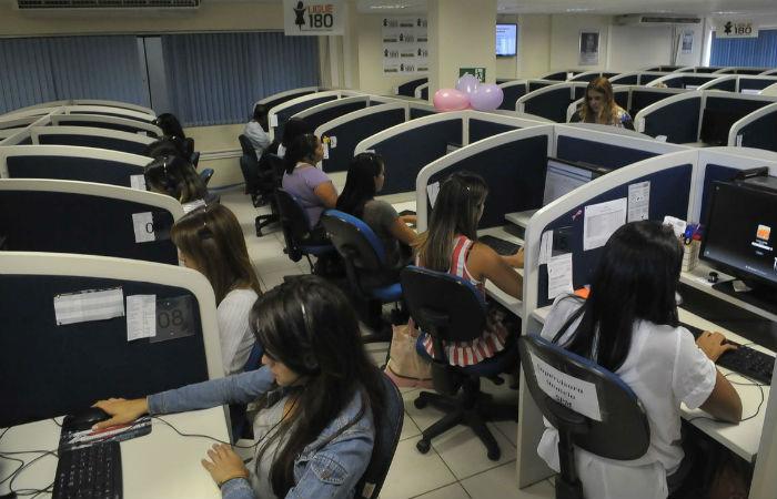 O Ligue 180 registrou aumento de 63% dos casos de feminicídios. Foto: José Cruz/Agência Brasil.