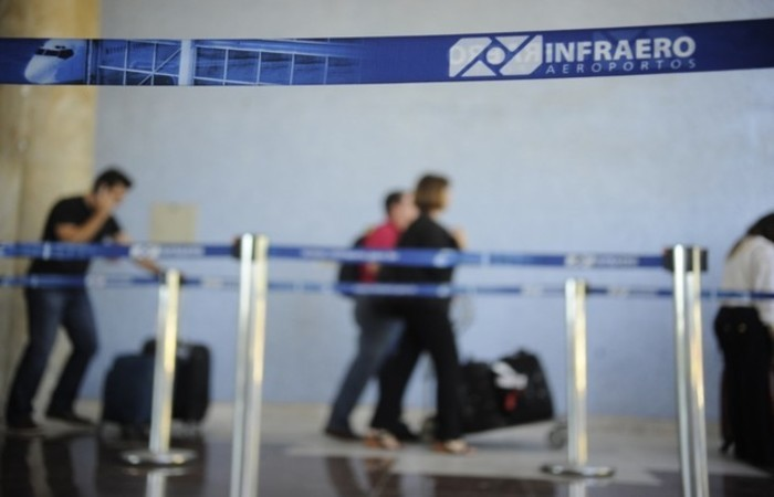 Os tetos das tarifas de embarque, conexão, pouso e permanência foram aumentados em 5,3941%. Foto: Tânia Rêgo/Agência Brasil