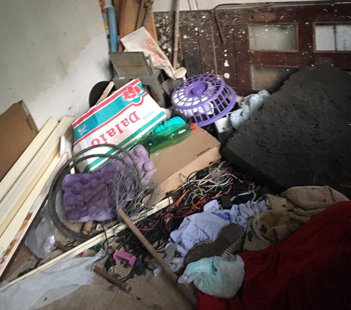 Local seria insalubre e muito sujo, de acordo com a polícia. Foto: Divulgação Polícia Civil.