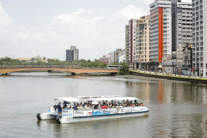 Um dos passeios será no Rio Capibaribe, com saída do Cais das Cinco Pontas. Foto: Andréa Rêgo Barros/divulgação/PCR