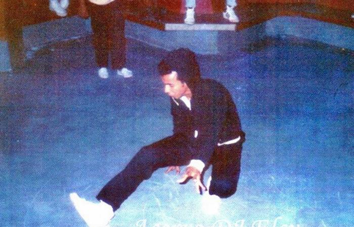 Francisco de Assis França (futuro Chico Science) dançando break na Misty em 1989. Foto: Dj Elcy/Acervo
