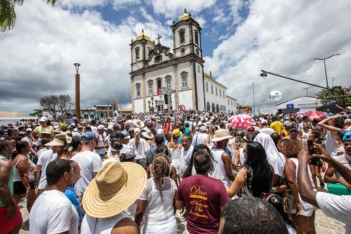 A Lavagem do Bonfim reuniu 800 mil pessoas em uma cerimônia que une catolicismo e candomblé e que abre oficialmente o verão no Nordeste. Foto: André Fofano/Divulgação