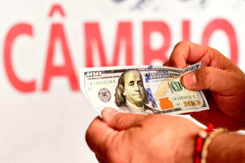 De acordo com analistas, a aprovação das reformas fiscais é o grande fator que determinará a vinda dos donos de dinheiro de volta para o Brasil. Foto: Antonio Cunha/CB/D.A Press