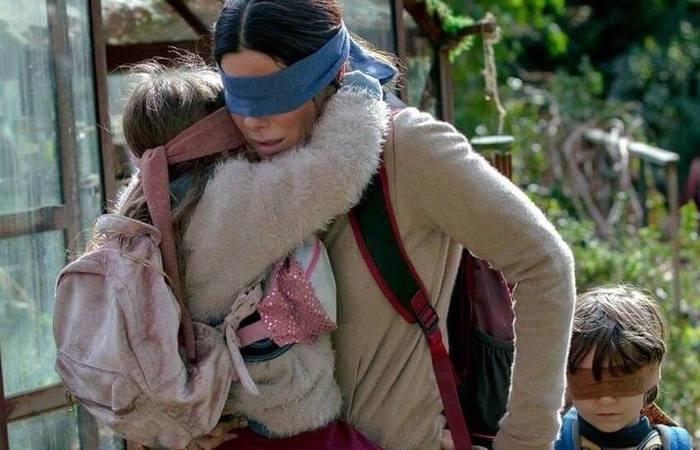 Sandra Bullock atua como Malorie Hayes na adaptação do livro 'Caixa de pássaros'. Foto: Reprodução Netflix