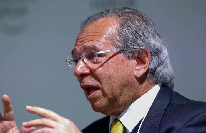 Paulo Guedes, em Davos, na Suíça, durante entrevista à Bloomberg TV - Foto: Alan Santos/PR