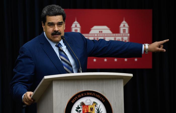 Em pronunciamento na TV, ele deu 72 horas para a saída dos diplomatas americanos do país - Foto: FEDERICO PARRA / AFP