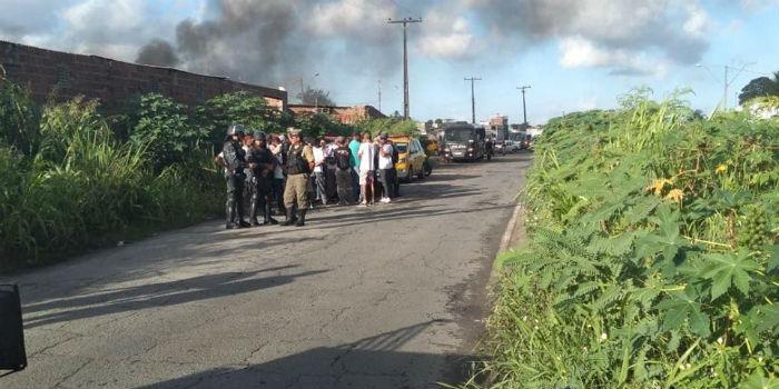 Entidades de defesa das famílias estão no local acompanhando reintegração. Foto: MTST/divulgação