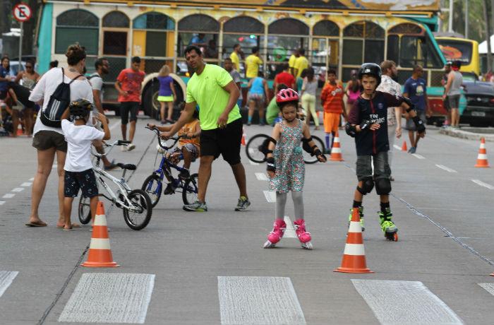 Jogos e brincadeiras inclusivas também fazem parte da programação. Foto: Julio Jacobina/DP.