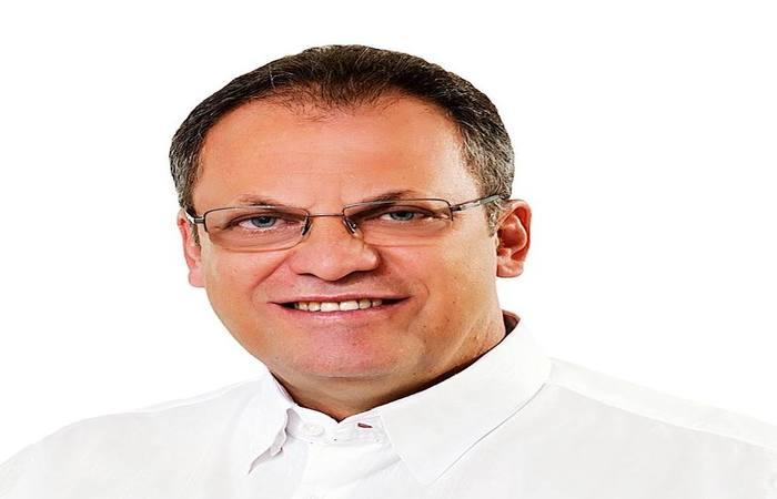 Prefeito Ricardo Ferraz (PRP) foi eleito em 2016 para comandar Floresta, no Sertão (Foto: Reprodução / TRE)