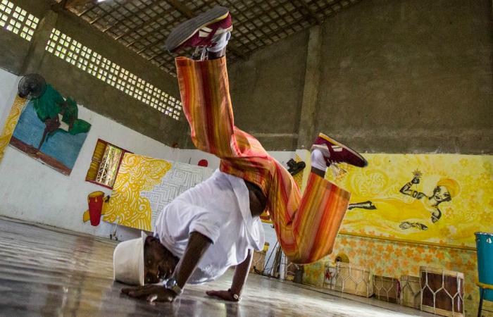 Mestre de capoeira Meia-Noite, fundador do Centro Daruê Malungo. Foto: Celia Santos/Divulgação