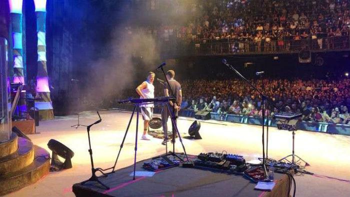 Momento foi filmado e compartilhado no Instagram do cantor. Foto: Instagram/Reprodução.