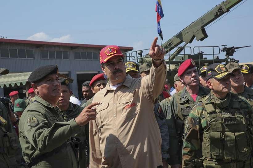 Comunidade internacional, em sua maioria, defende novas eleições. Foto: Ho / Venezuelan Presidency / AFP
