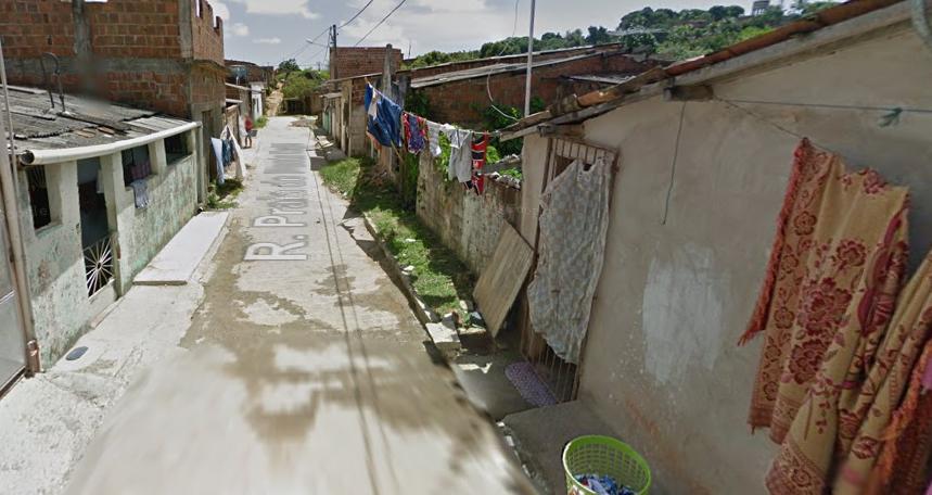 Criança morava na Rua Praia de Ponta Negra, onde aconteceu a queda. Foto: reprodução Google