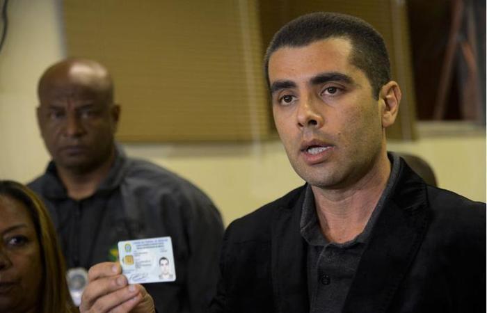 Ao ser preso, o médico Denis César Barros Furtado negou as acusações. Foto: Fernando Frazão/Agência Brasil