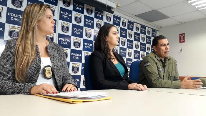 Polícias Civil e Militar falaram sobre prisão do trio de suspeitos. Foto: PCPE/divulgação