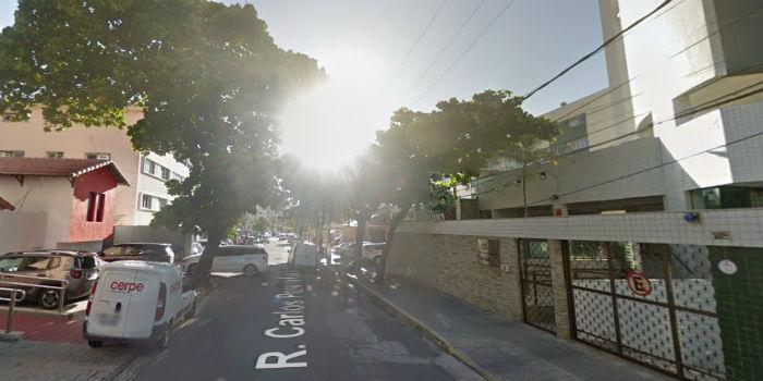Motoristas e moradores que utilizam a via devem ficar atentos à sinalização da obra. Foto: Google Maps/Reprodução.