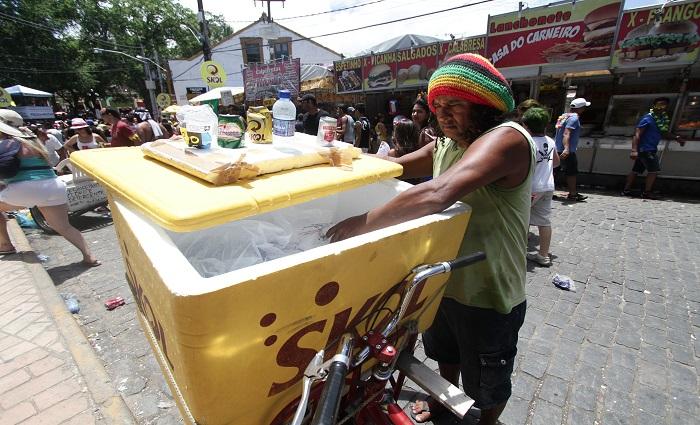 Ambulantes podem se cadastrar a partir de sexta (8). Foto: Alcione Ferreira/DP/Arquivo