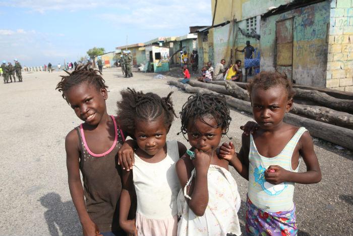 Quase 60% dos 10,5 milhões de haitianos vivem abaixo da linha da pobreza. Foto: Teresa Maia/DP.