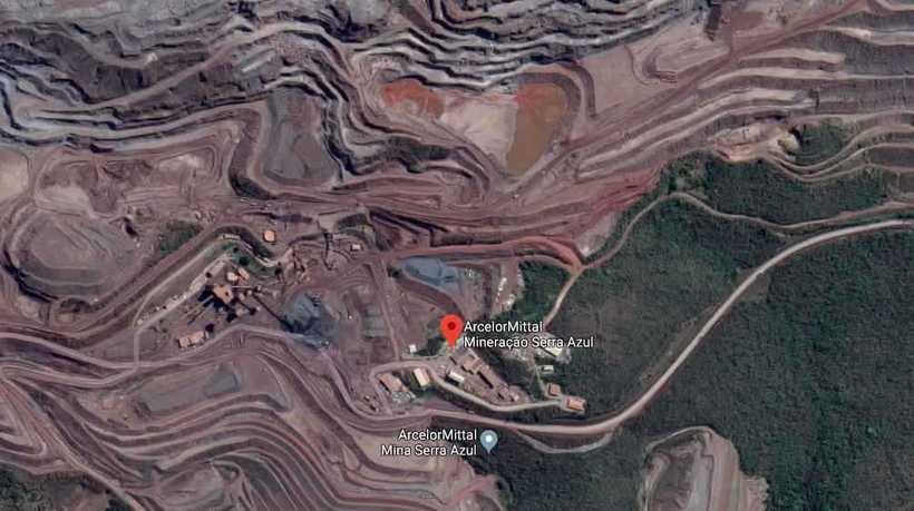 (Segundo tenente-coronel da Defesa Civil, barragem da Arcelor Mittal foi elevada ao nível 2 de risco e 50 pessoas foram levadas para hotéis. Foto: Reprodução/Google Maps)