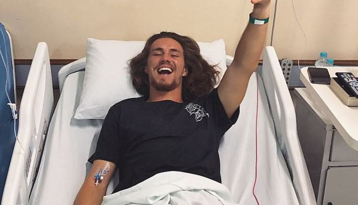 Vitor Kley após cirurgia de apendicite. Foto: Reprodução/Instagram
