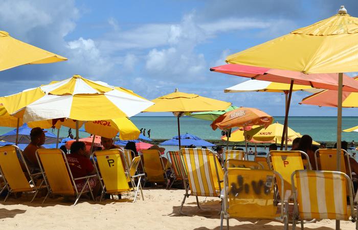 É preciso ter cuidado com a pele com a alta incidência de raios solares no verão (Foto: Marlon Diego/Esp.DP)