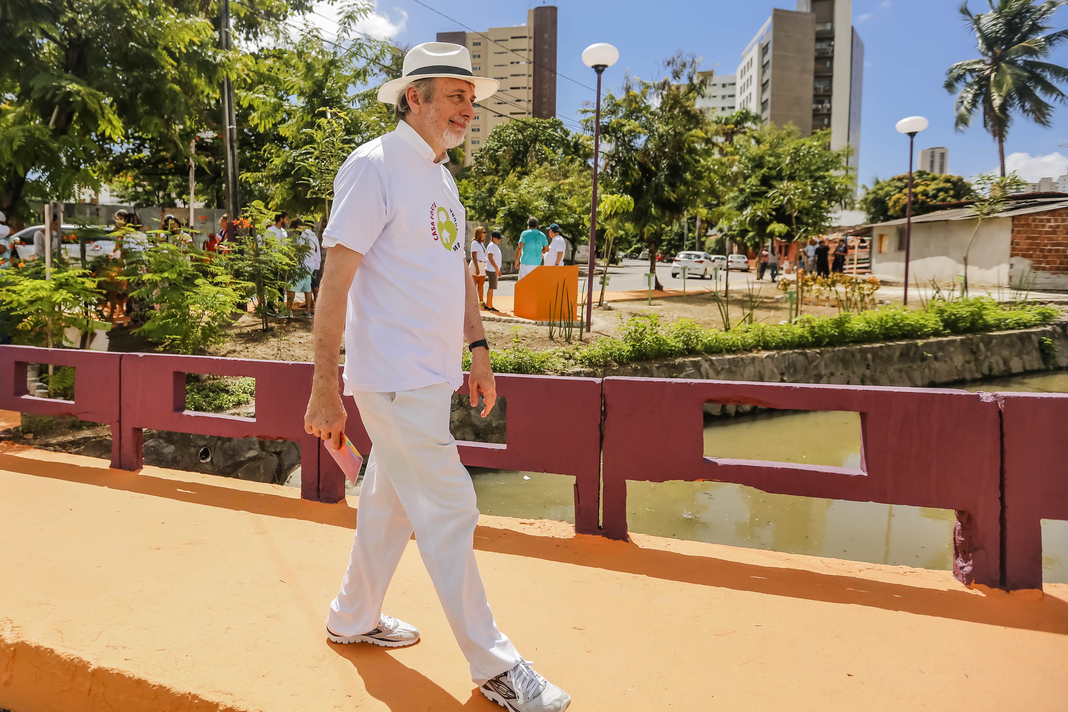 Área era utilizada para descarte de lixo. Foto: Andréa Rego Barros/Prefeitura do Recife.
