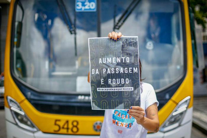 Manifestantes devem seguir até o Palácio do Governo. Foto: Leo Malafaia/DP