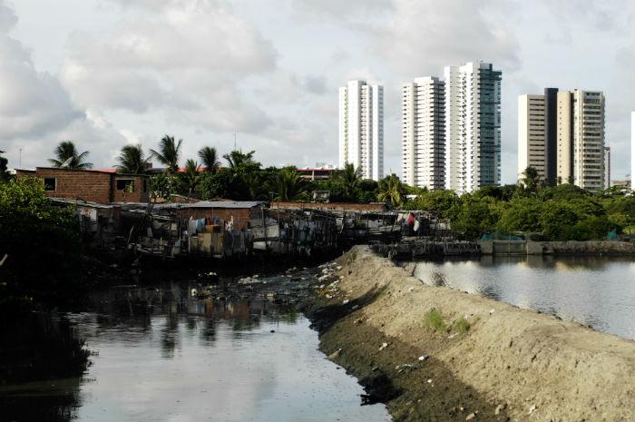 A comunidade Caranguejo Tabaiares é protegida pela Lei do Prezeis (Lei 16.113/1995). Foto: Bernardo Dantas/DP.