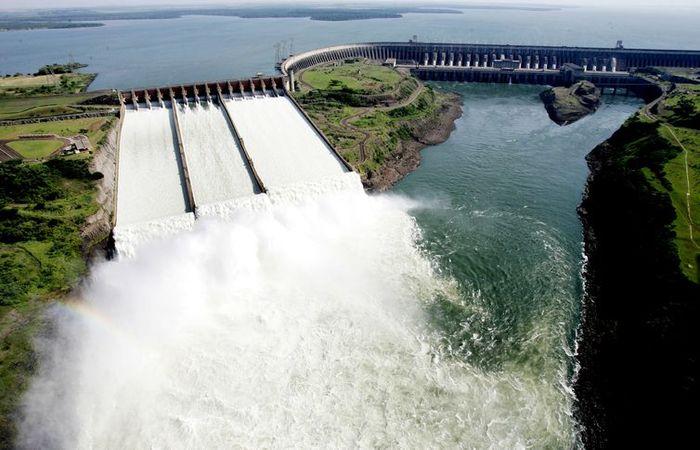 Tanto o Brasil quanto o Paraguai têm direito a 50% da energia produzida por Itaipu. Foto: Caio Coronel/ Divulgação Itaipu