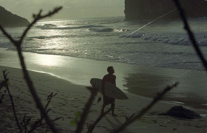 Praia da Cacimba é bastante frequentada por surfistas e terá, na próxima semana, evento mundial de surf. Foto: Teresa Maia/Arquivo/DP