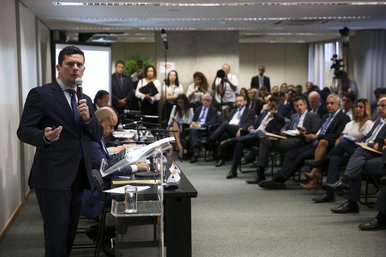 O ministro da Justiça e Segurança Pública, Sergio Moro, durante reunião para discutir sugestões ao Projeto de Lei Anticrime, na Escola Nacional de Formação e Aperfeiçoamento de Magistrados, Enfam. Foto: Marcelo Camargo/Agência Brasil