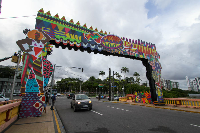 Além da menção às sonoridades, cada uma das pontes ganha pórticos com volumetria. Foto: Bruna Costa/Esp. DP.