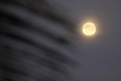 Superlua ficará visível a partir das 17h57. Foto: Ricardo Fernandes/DP