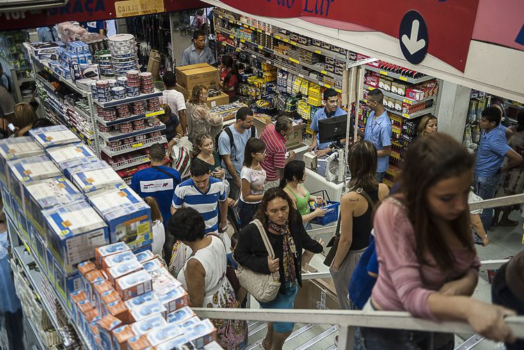 Comércio, com expansão de 2,1%, figura entre os setores que mais cresceram em 2018. Foto: Marcelo Camargo/Agência Brasil/EBC