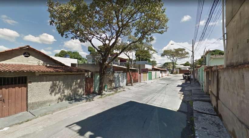 Vítima seguia para centro de saúde quando foi abordada. Foto: Google Street View/Reprodução