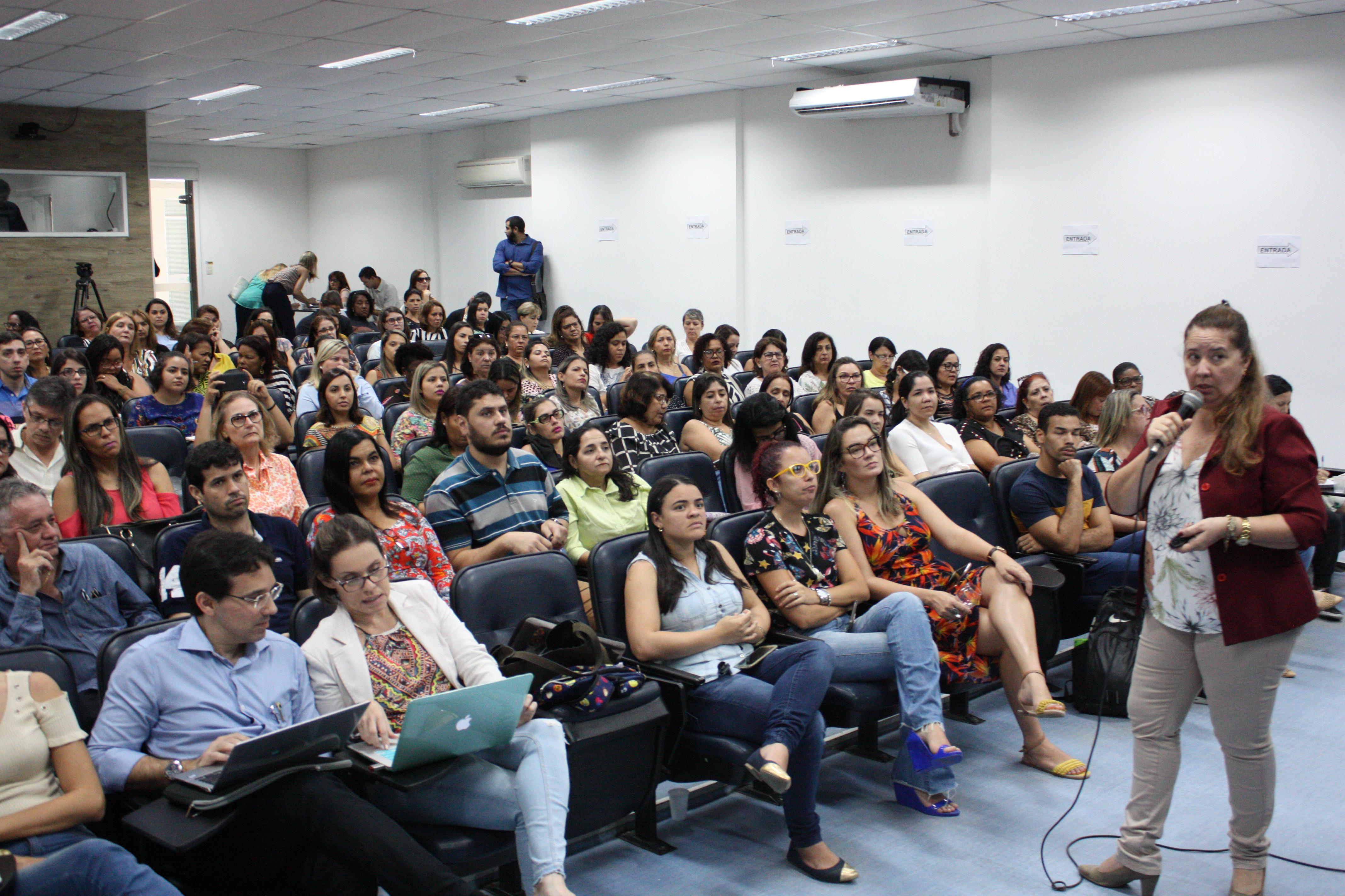 Profissionais de saúde estão sendo capacitado para o manejo clínico do paciente suspeito para alguma arbovirose  (Mariana Cauduro Divulgação /SES )