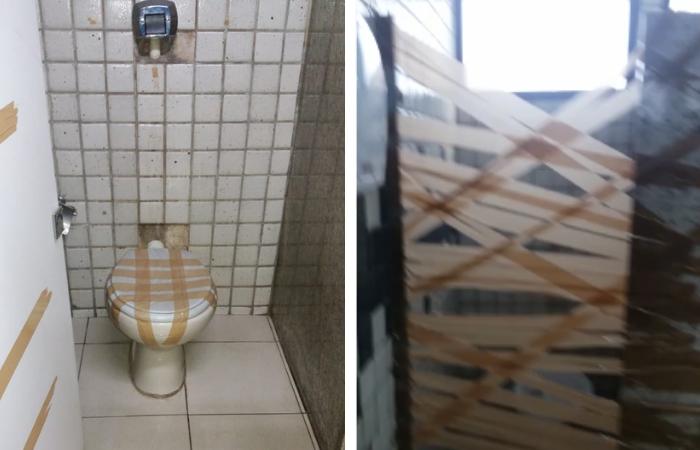Os banheiros do local estão interditados e os que funcionam estão sem portas - Foto: WhatsApp/Cortesia