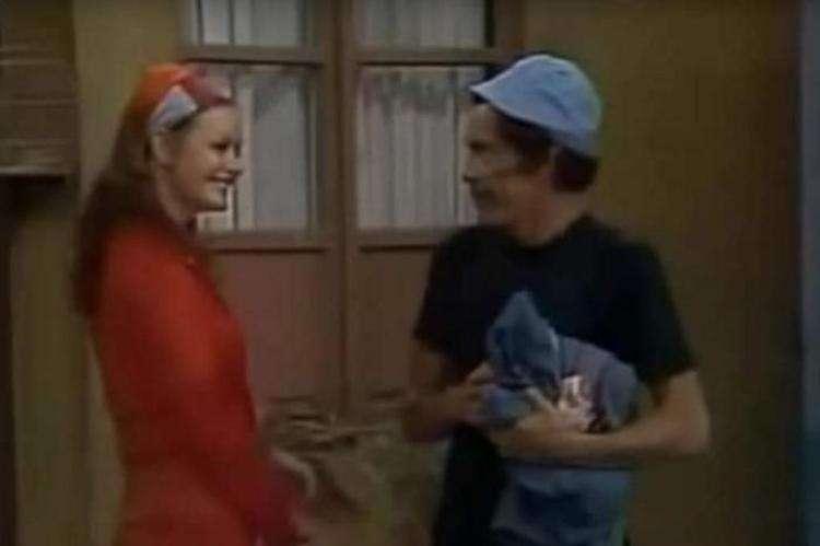 Olivia Garcia Leyva e Ramón Valdés, o 'Seu Madruga', contracenando no seriado Chaves. Foto: Reprodução Televisa/ Youtube