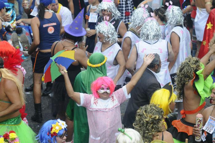 Foto: SES alerta para riscos de contaminação por doenças sexualmente transmissíveis no carnaval. Foto: Alcione Ferreira/arquivo DP