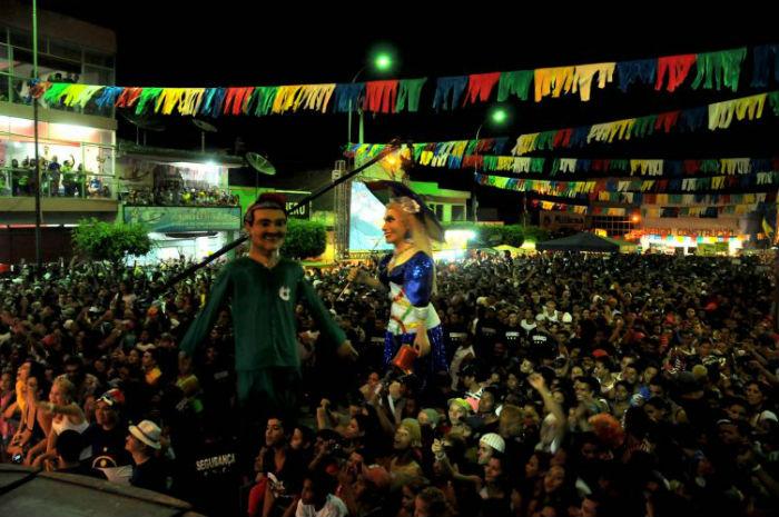 Principal atração do município é o bloco Mulher da Sombrinha. Foto: divulgação