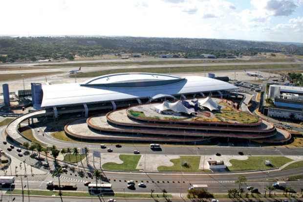Resultado de imagem para aeroporto do recife foi vendido