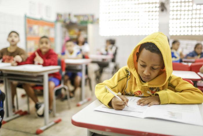 Cátedra vai propor ações que levem à melhoria das condições de ensino nas escolas de ensino básico. Foto: Andréa Rêgo Barros/Divulgação.