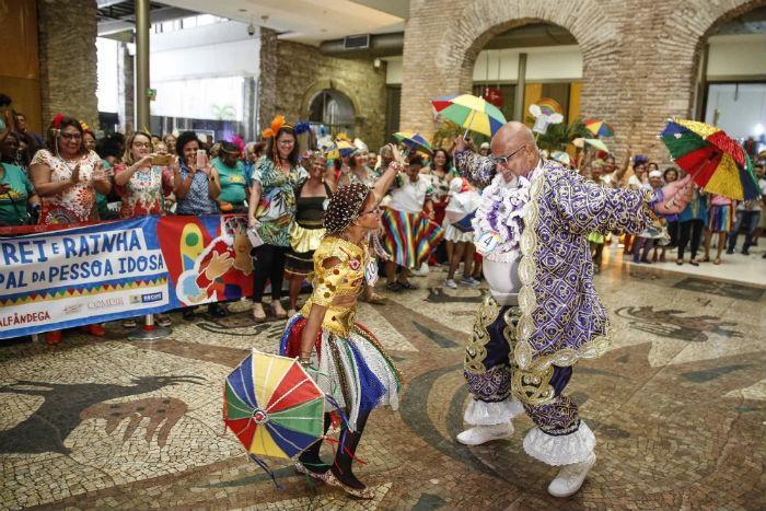 Severino Antônio Correia, 62 anos, e Irinita Dias da Silva, 65, são o rei e rainha desta edição. Foto: Sérgio Bernardo/PCR/Divulgação.