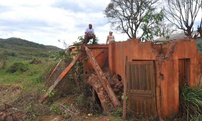Destruição após a tragédia de Mariana. Foto: Jair Amaral/Estado de Minas - 5/11/17