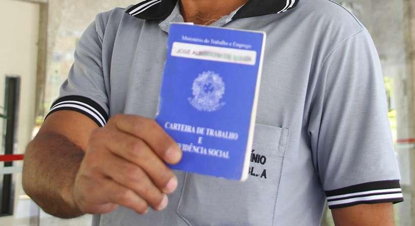 O número de trabalhadores também caiu em comparação com o trimestre imediatamente anterior. Foto: Barbara Cabral/Esp. CB/D.A Press