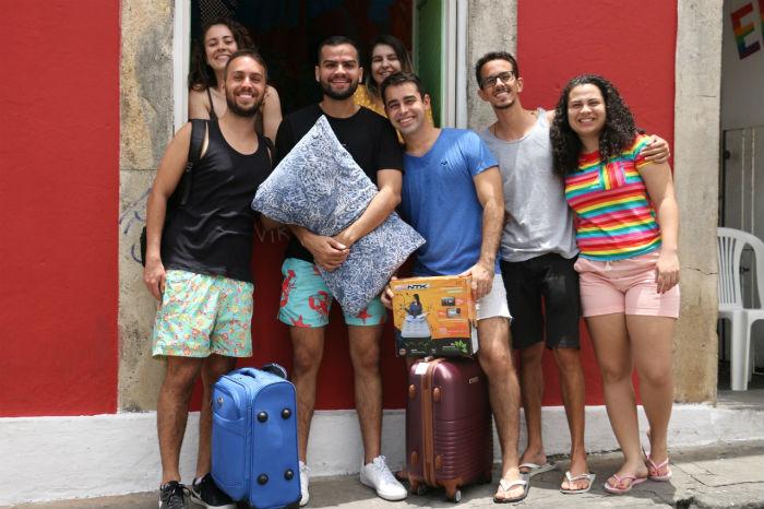 Nesta casa, na Rua do Amparo, são 32 pessoas de vários estados brasileiros. Foto: Gabriel Melo/especial DP